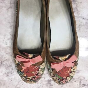 Sperry Tropical Flats. So cute and comfortable